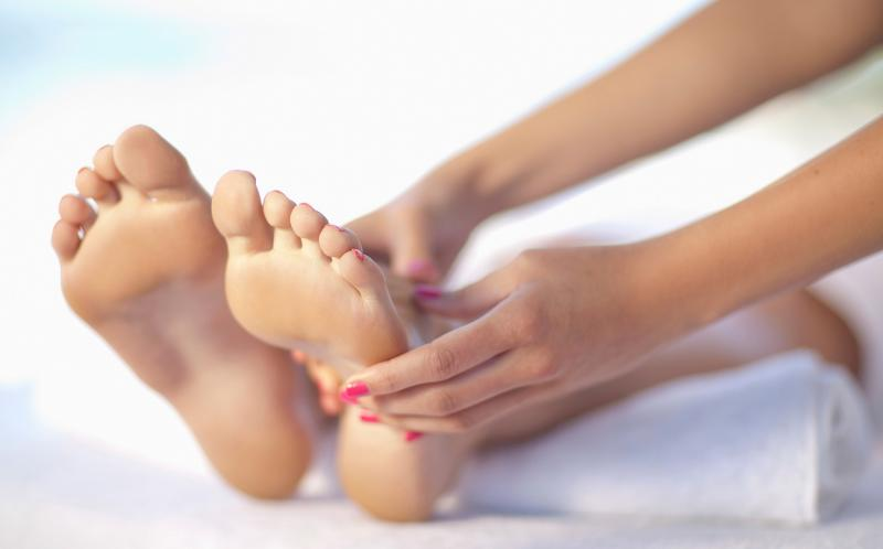 vicks vapor rub on feet for colds
