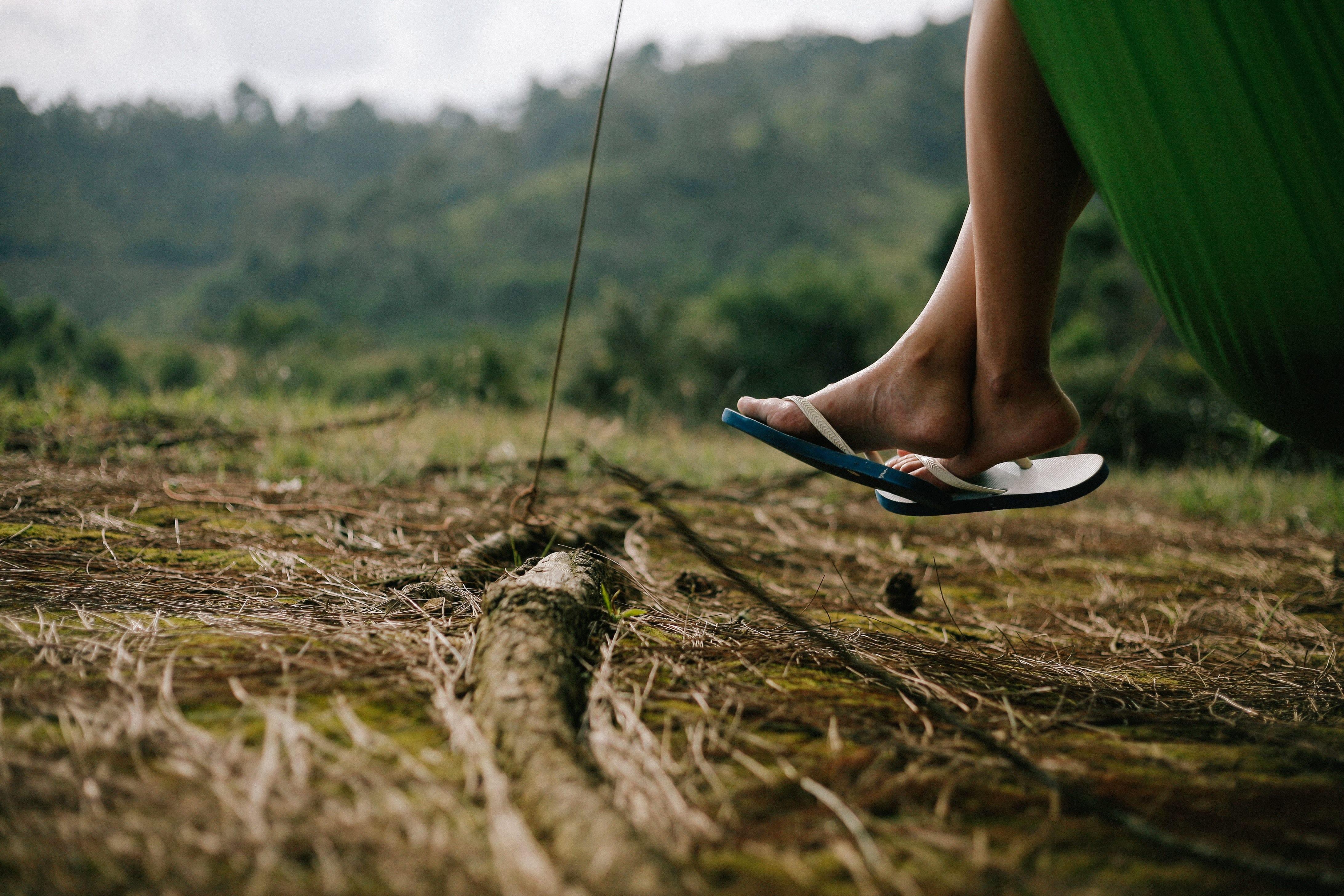 Only wear sturdy flip flops.