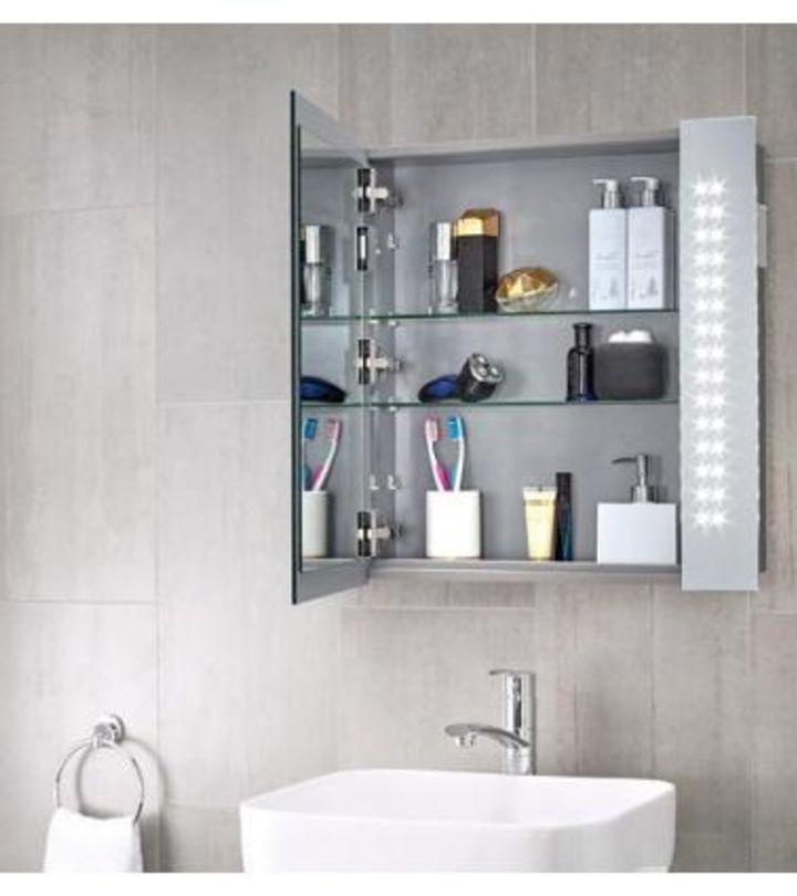 Choosing the Right Bathroom Vanity Mirror